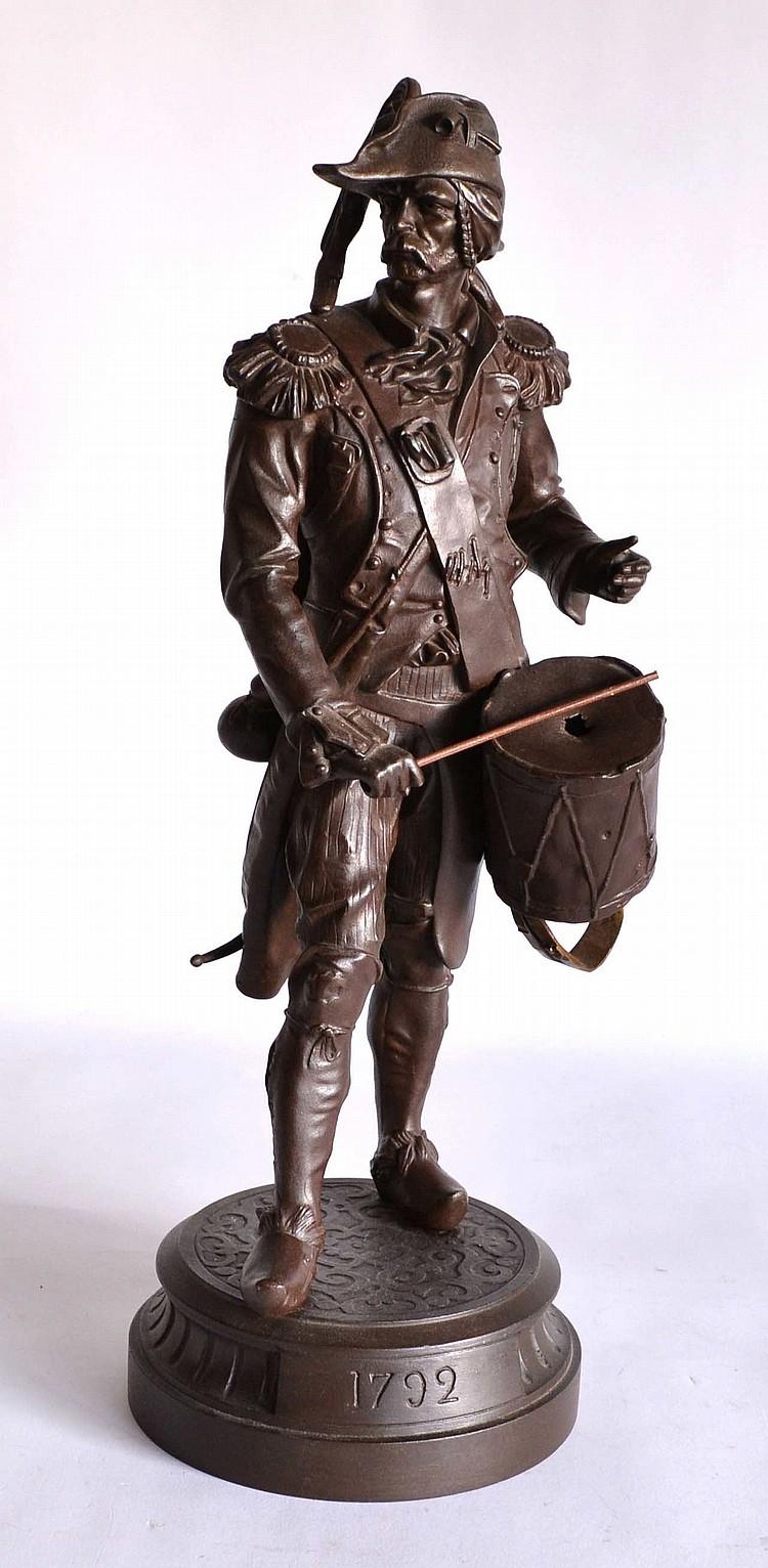 Auguste POITEVIN. Tambour. Régule à double patine (acc. au tambour)
