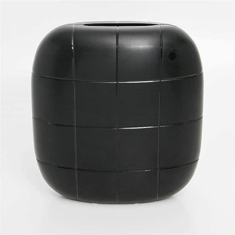 christian ghion edle vase 39 soffici 39 schwarz 20 jhd. Black Bedroom Furniture Sets. Home Design Ideas