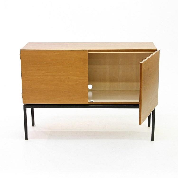 kleines sideboard wohl deutsch 1950er jahre tropenholz. Black Bedroom Furniture Sets. Home Design Ideas