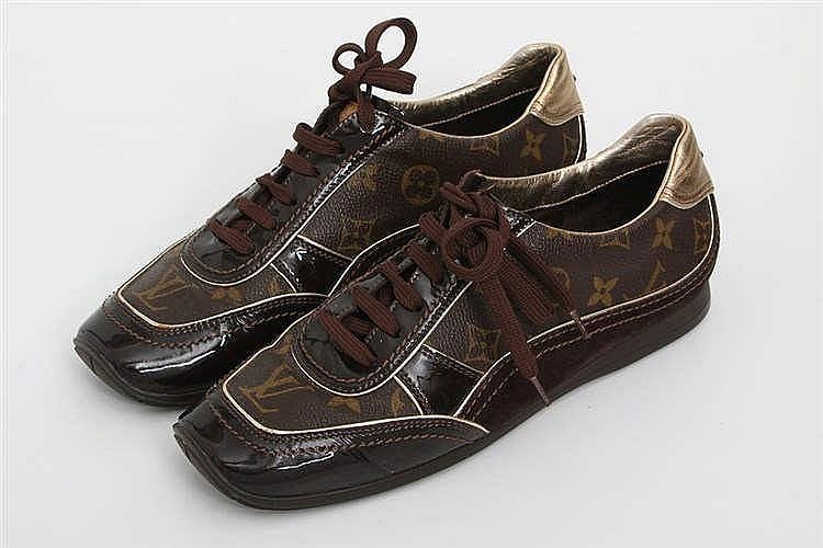 LOUIS VUITTON edle Sneakers, Größe 39,5. SEHR SCHÖNER ERHALT!! NP. ca.: 400,-€.