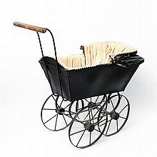 Früher Puppenwagen, um 1900,