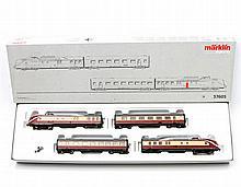 MÄRKLIN Diesel-Triebwagenzug 37605, Spur H0,