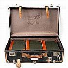 Koffer mit Literatur - 1. H. 20. Jh. -