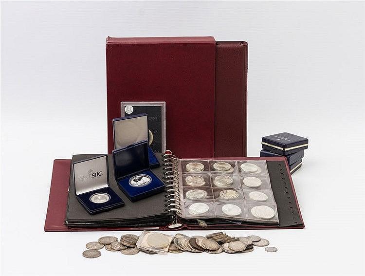 Konvolut Münzen und Medaillen, mit SILBER - dabei viel BRD mit 1 x 10 Euro, ca. 101 x 10 DM und ca. 141 x 5 DM.
