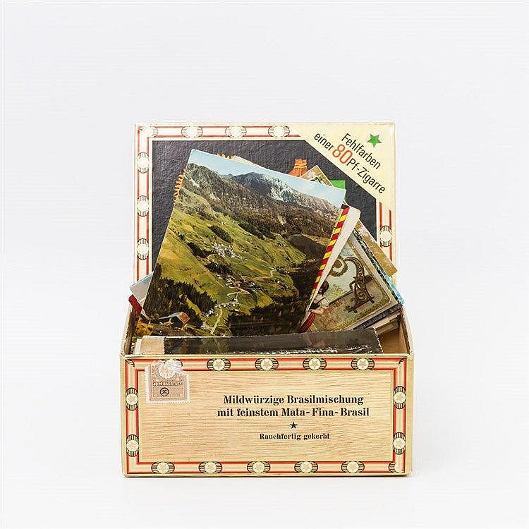 Postkarten - ca. 215 Stück in einer Zigarrenschachtel meist vor 1945, es sind auch Motive aus der Gegend erhalten, Stuttgart,
