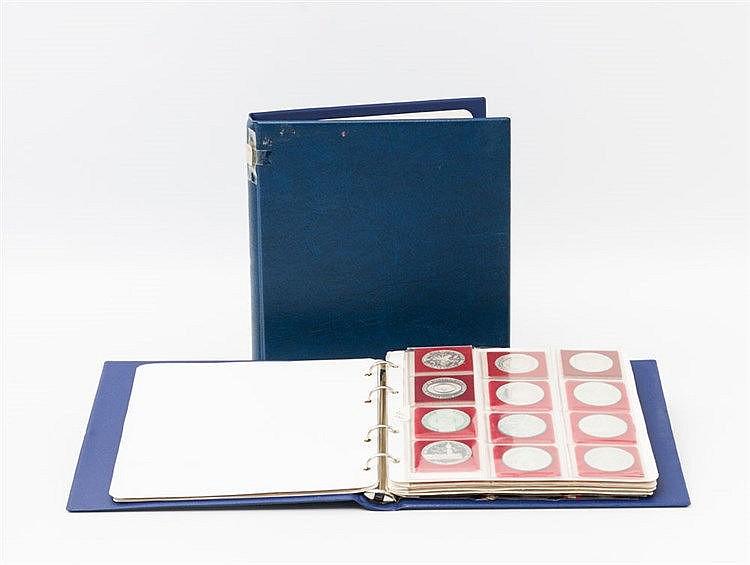 Österreich - Sammlungsteil in 2 Alben, ca. 48 x 100 Schilling, 33 x 50 Schilling,