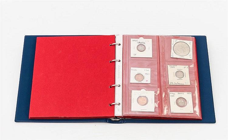 Weltmünzen - Album mit über 40 Münzen, Schwerpunkt bei Amerika,