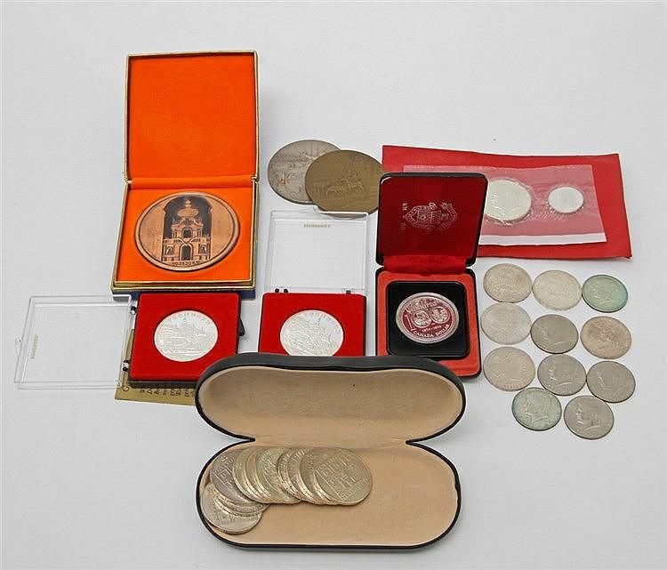 Medaillen und Münzen - BRD Gedenkmünzen, Canada Dollar 1974, US-Half-Dollars, US Bicentennial Set 1976, 9 x 100 Schillinge, 1 x 50 und 1 x 25 Schillinge,