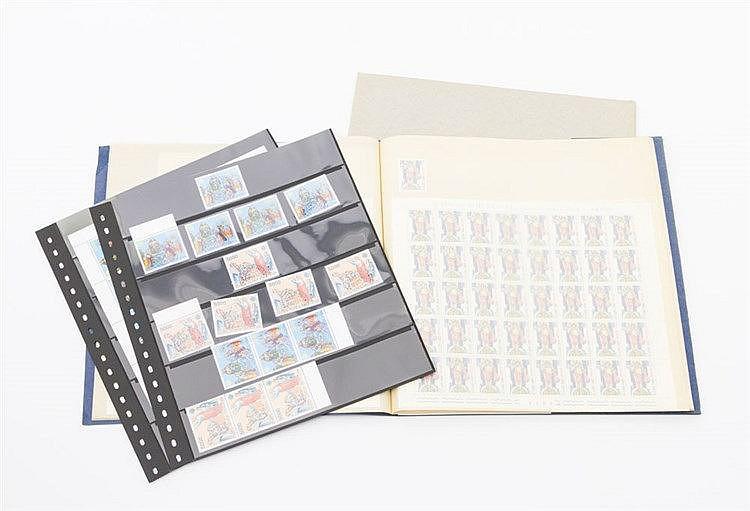 Vatikan - aus 1982/83, 2 Bogenmappen mit Einheiten,