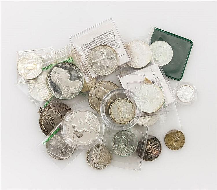 Fundgrube / Restsammlung - Konvolut diverser Münzen und Medaillen, dabei 5 DEM Schiller 1955,