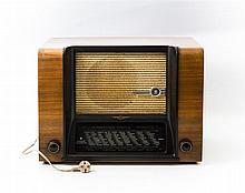 Rundfunkempfänger wohl Ende 1930er/Anfang 1940er Jahre, Hersteller SCHAUB, Modell: WELTSUPER 40,
