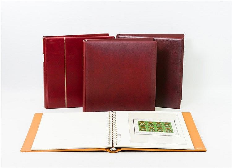 Österreich - Sammlung postfrisch und gestempelt in 4 Vordruckalben. Ohne große Spitzen. Von 1974 - 98 wohl komplett. 1 Album mit Kleinbögen.