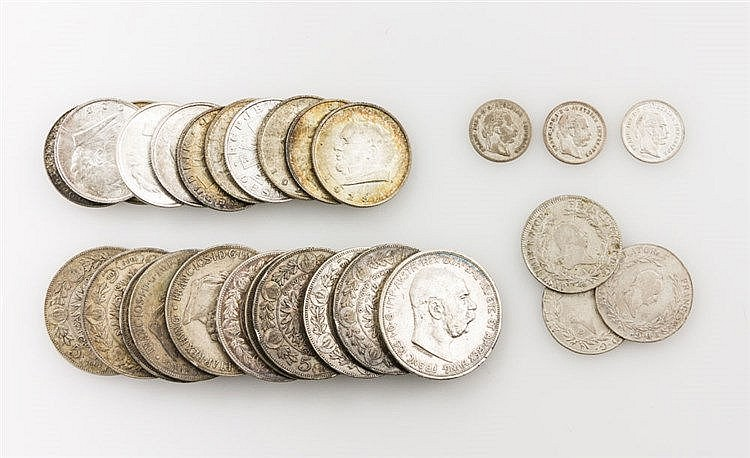 Konvolut Münzen Österreich/ SILBER - 11 x 5 Kronen, z. B. 1 x Österreich - 5 Kronen 1909, Franz Joseph I.,s. mit Kratzer avers, 21,6 Ag fein.