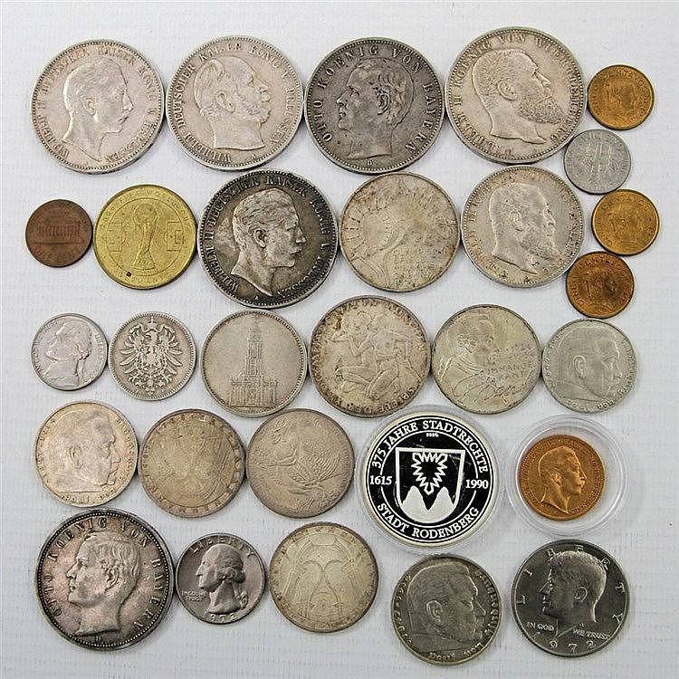 Konvolut - 29 Medaillen und Münzen,