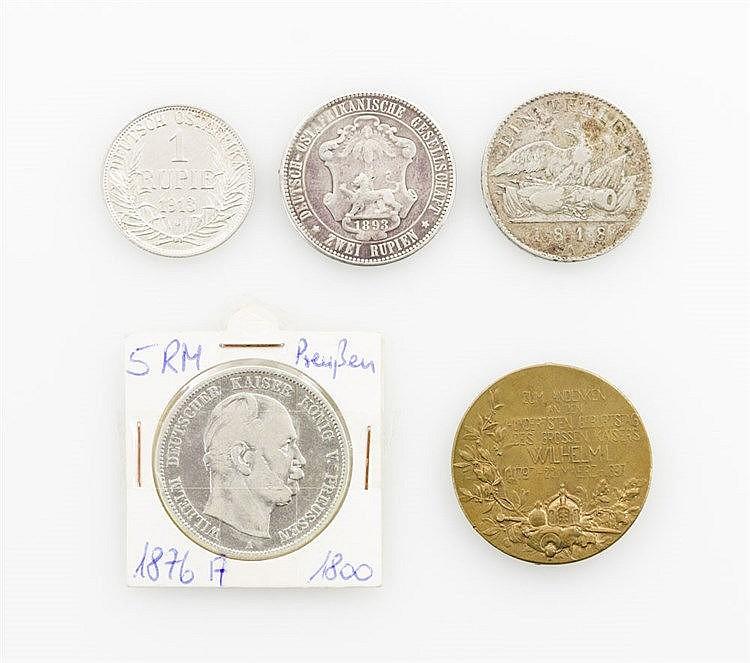 Preussen/Deutsch-Ostafrika - Konvolut: Taler 1818 A, 5 Mark 1876 A, Bronzemedaille 1897 auf den 100. Geburtstag