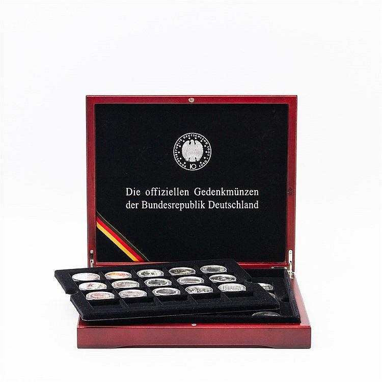 BRD - 35 x 10 Euro,