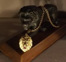 Lion pendant massive with ruby and diamonds