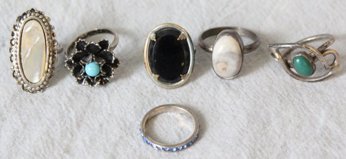 L607 VINTAGE COLLECTION OF 6 COSTUME JEWELRY RINGS SOME