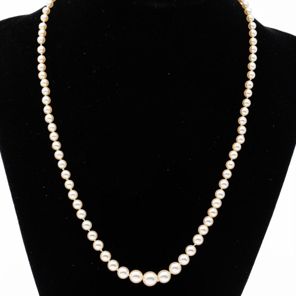 14K GOLD AND GRADUATED PEARL NECKLACE