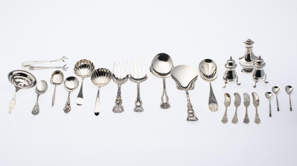 21 MISCELLANEOUS PIECES OF STERLING SILVER