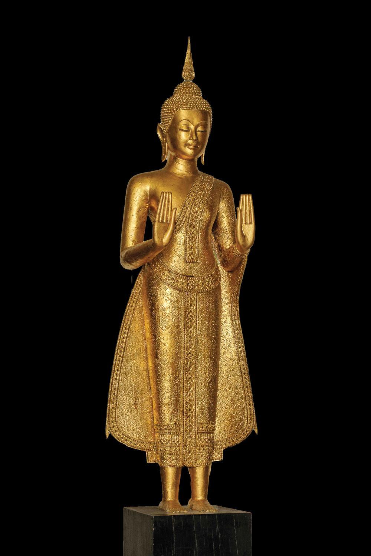 Buddha debout