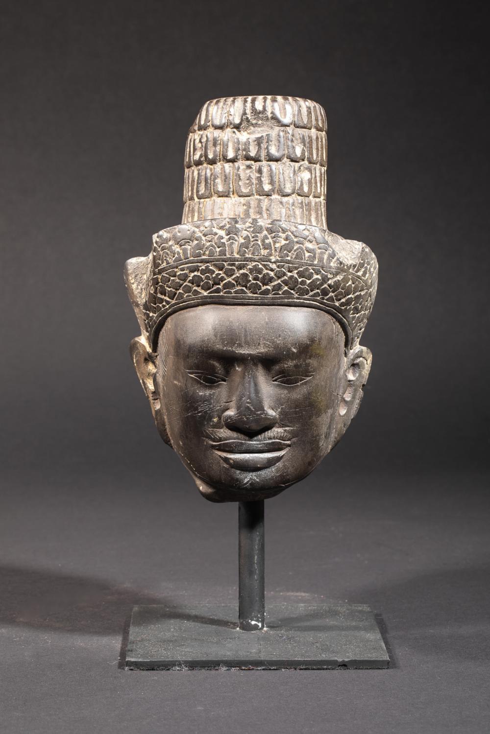 Tête de Shiva coiffée d'un diadème orfèvrie