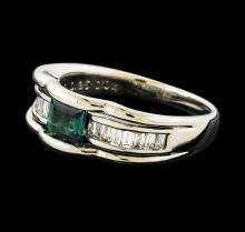 0.04 ctw Alexandrite and Diamond Ring - Platinum
