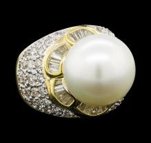 Pearl and Diamond Ring - 18KT Yellow Gold