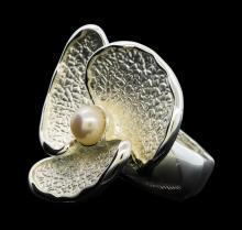 Petal Pearl Ring - Rhodium Plated