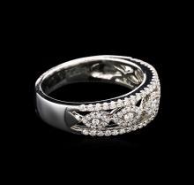 0.44 ctw Diamond Ring - 18KT White Gold
