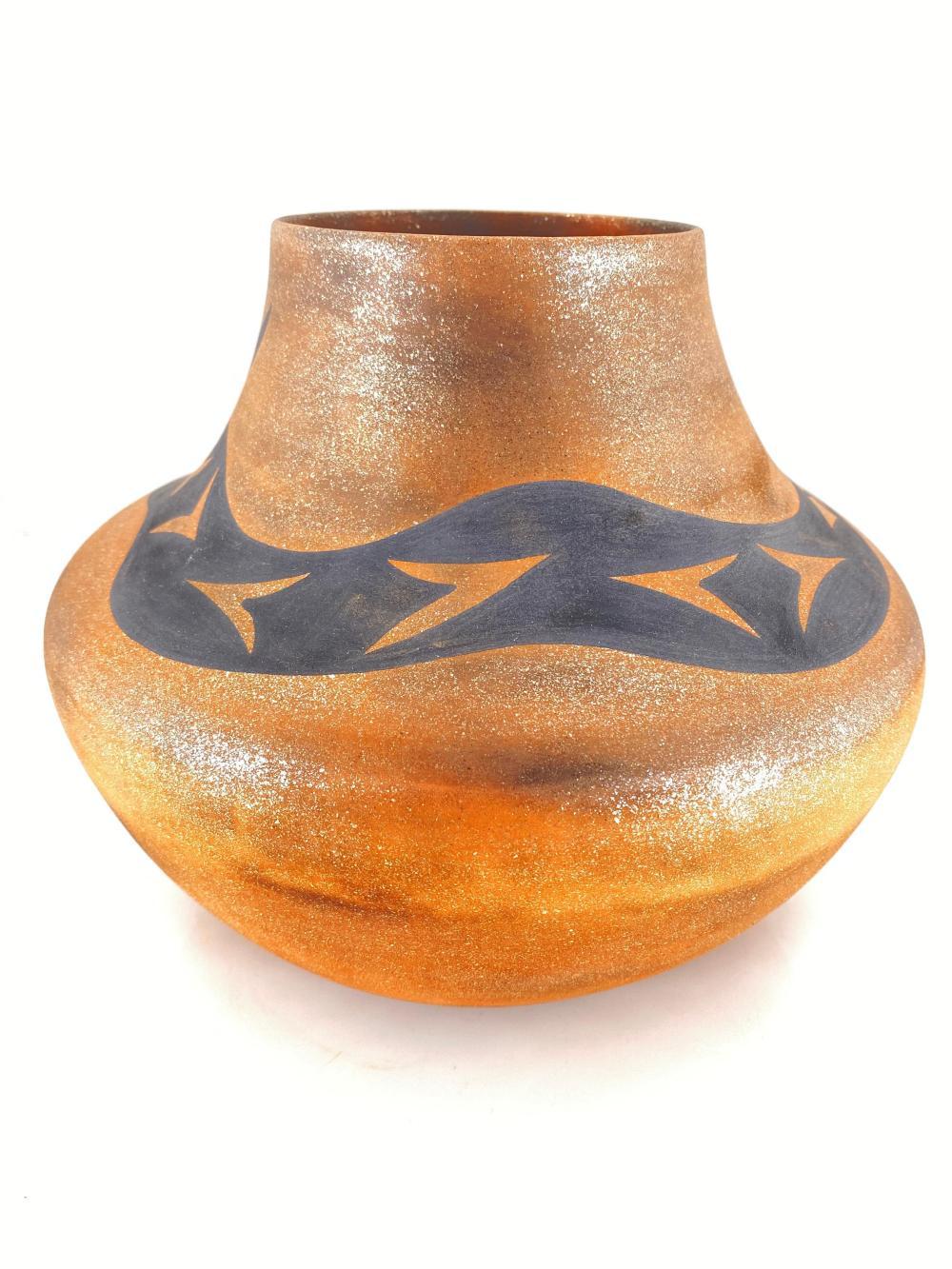 Alan E. Lasilee Zuni Native American Serpentine Pot