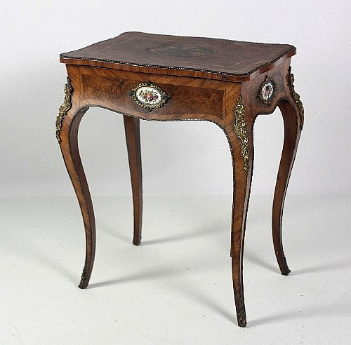 A good 19th Century English walnut Ladies Dressing or Vanity