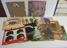 GROUPING OF VINTAGE RECORDS
