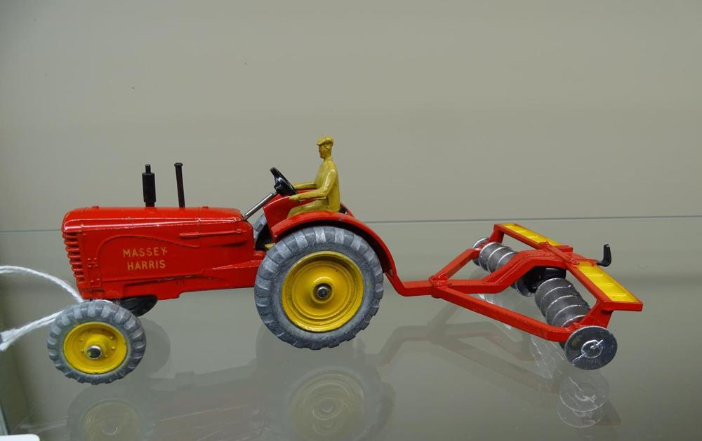 DINKY TOYS, MASSEY HARRIS TRACTOR & DISC PLOW