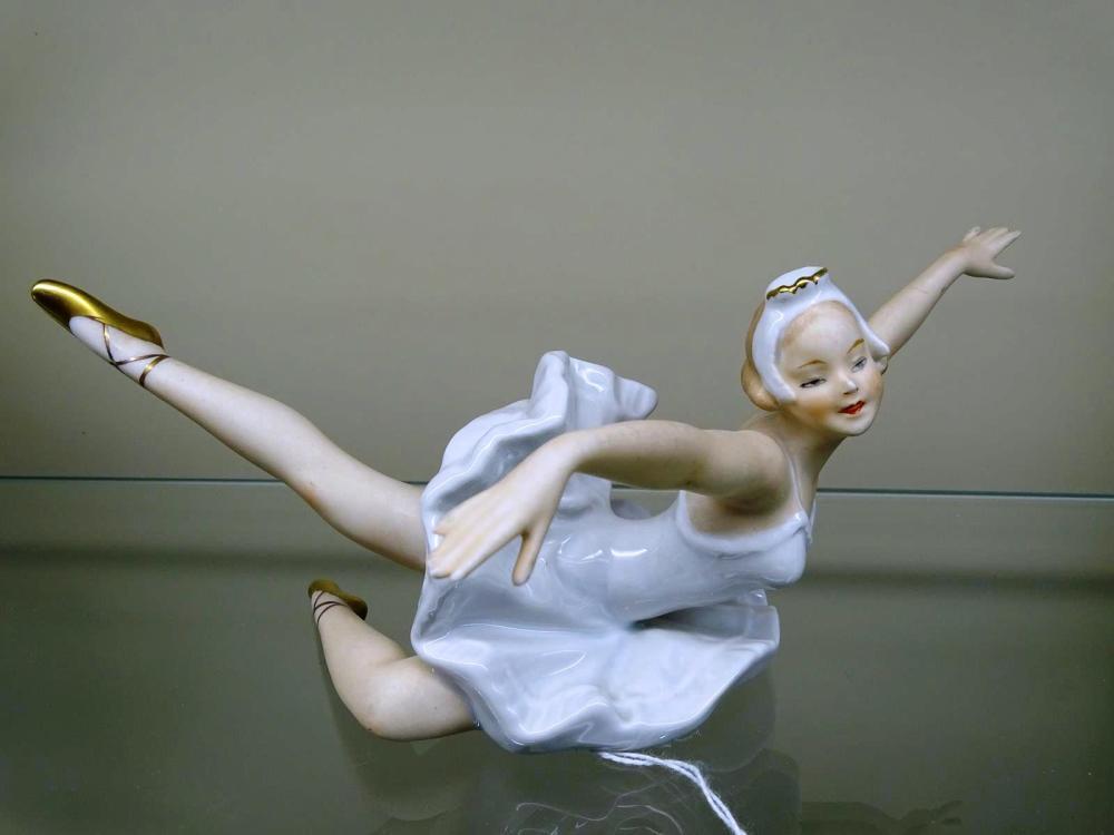 WALLENDORF BALLET DANCER