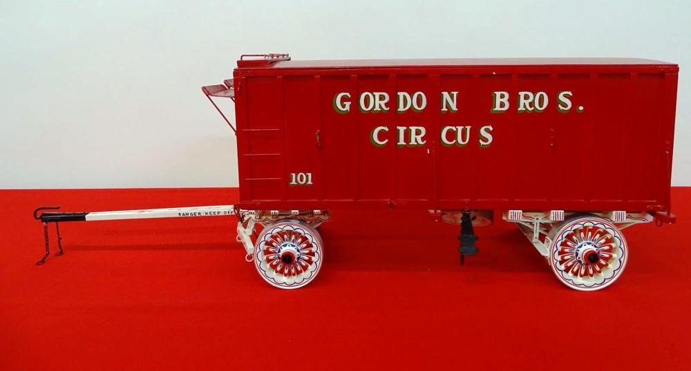 GORDON BROS. CIRCUS TRUNK WAGON MODEL