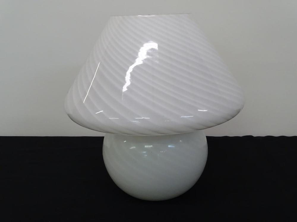 VENINI VETRI ITALIAN ART GLASS MUSHROOM TABLE LAMP