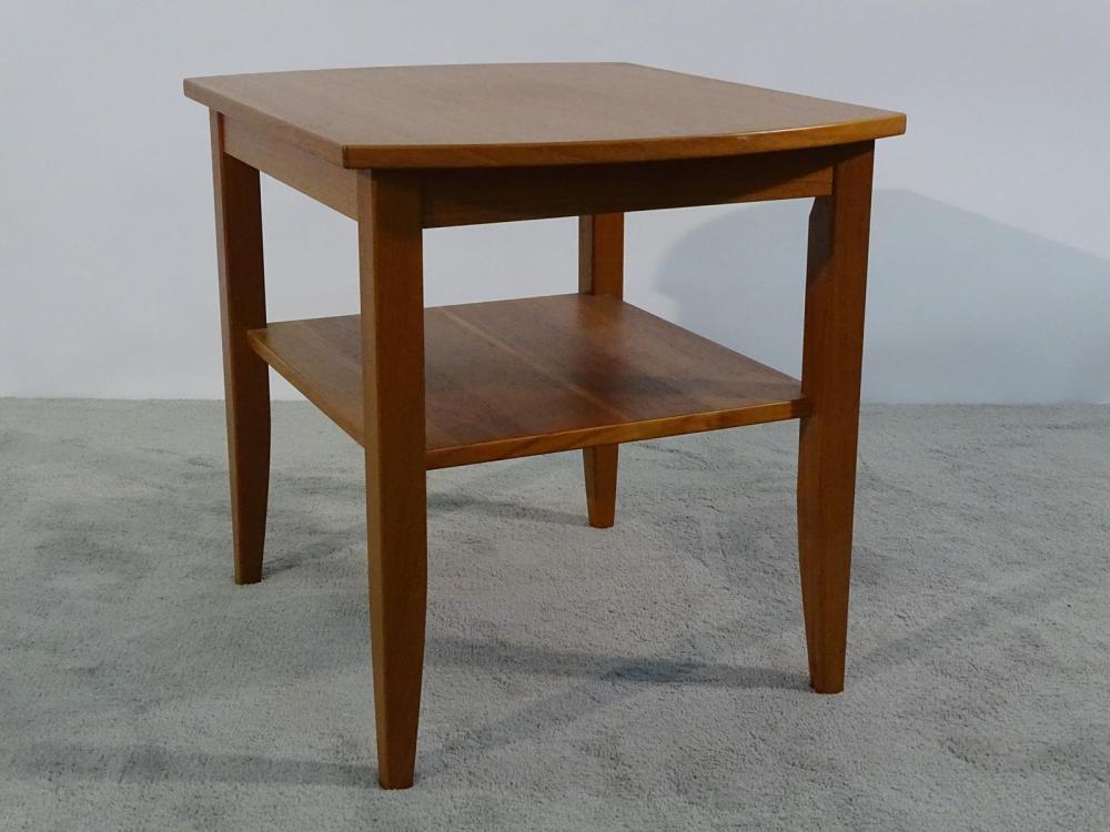 VEJLE STOLE TEAK SIDE TABLE