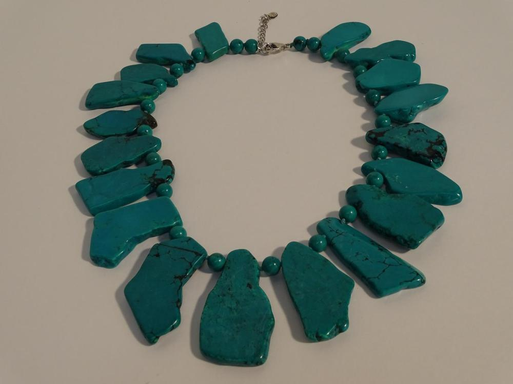 TURQUOISE FRAGMENT NECKLACE