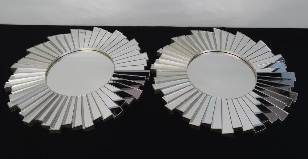 PAIR OF WALL MIRROR ACCENTS