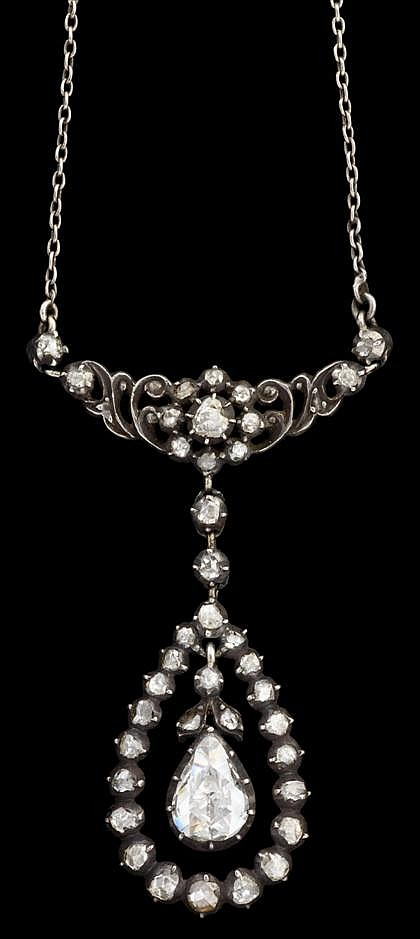 Diamond necklace, Bonebakker, ca. 1906, Netherlands, Silver topped low karat yellow gold pendant with rose cut diamond accented filigre