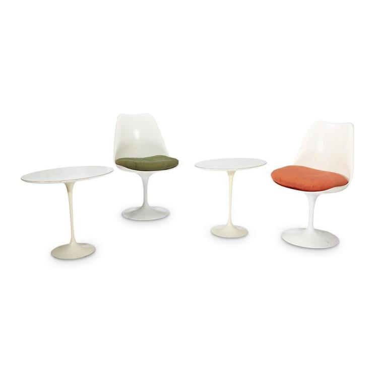A pair of eero saarinen tulip chairs and side tables knoll for Knoll and associates
