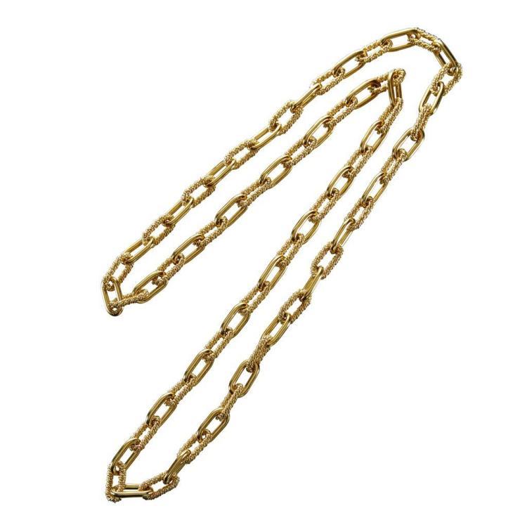 An eighteen karat gold necklace,