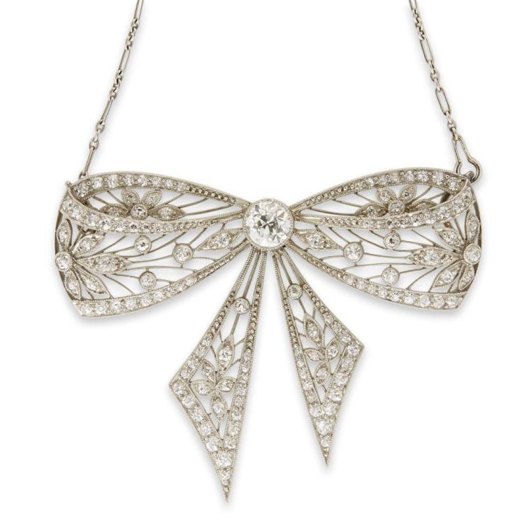 A Belle Époque platinum and diamond pendant, circa 1910