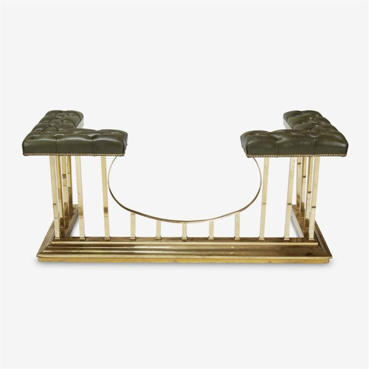 An Edwardian brass and tufted-leather upholstered fireplace fender, Early 20th century