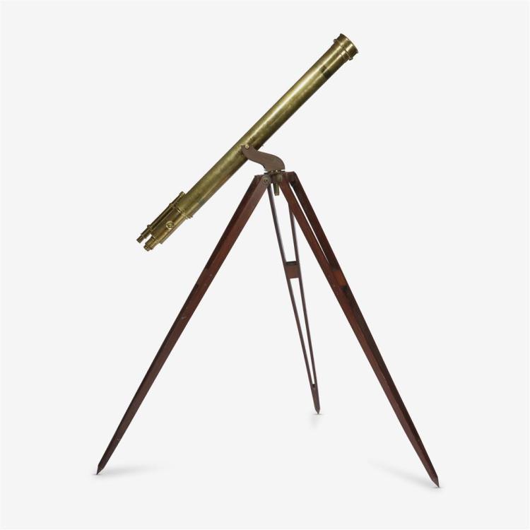 A Victorian brass telescope, Late 19th century