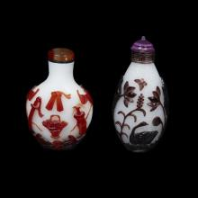 Two Chinese glass overlay snuff bottles,