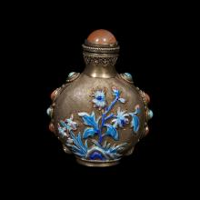 A Chinese enameled and parcel gilt-metal snuff bottle,