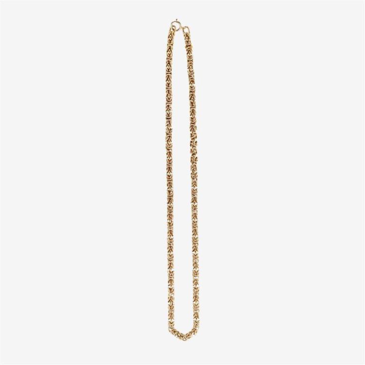 A fourteen karat gold necklace,