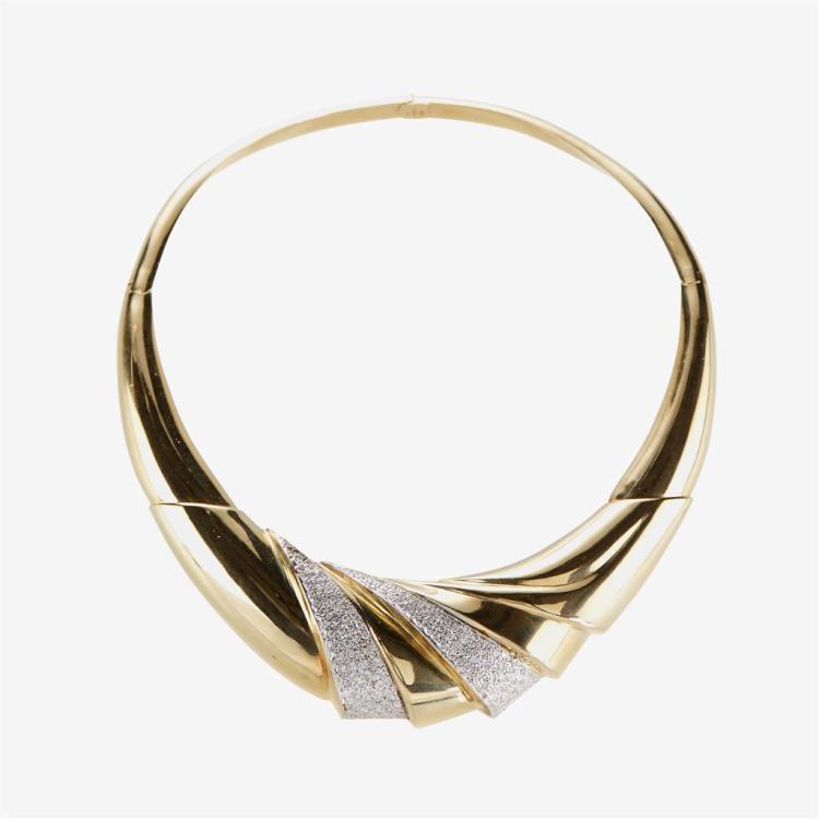 A diamond and fourteen karat gold neck collar, Italy
